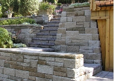 Stairs built into a retaining wall using AB Europa Collection